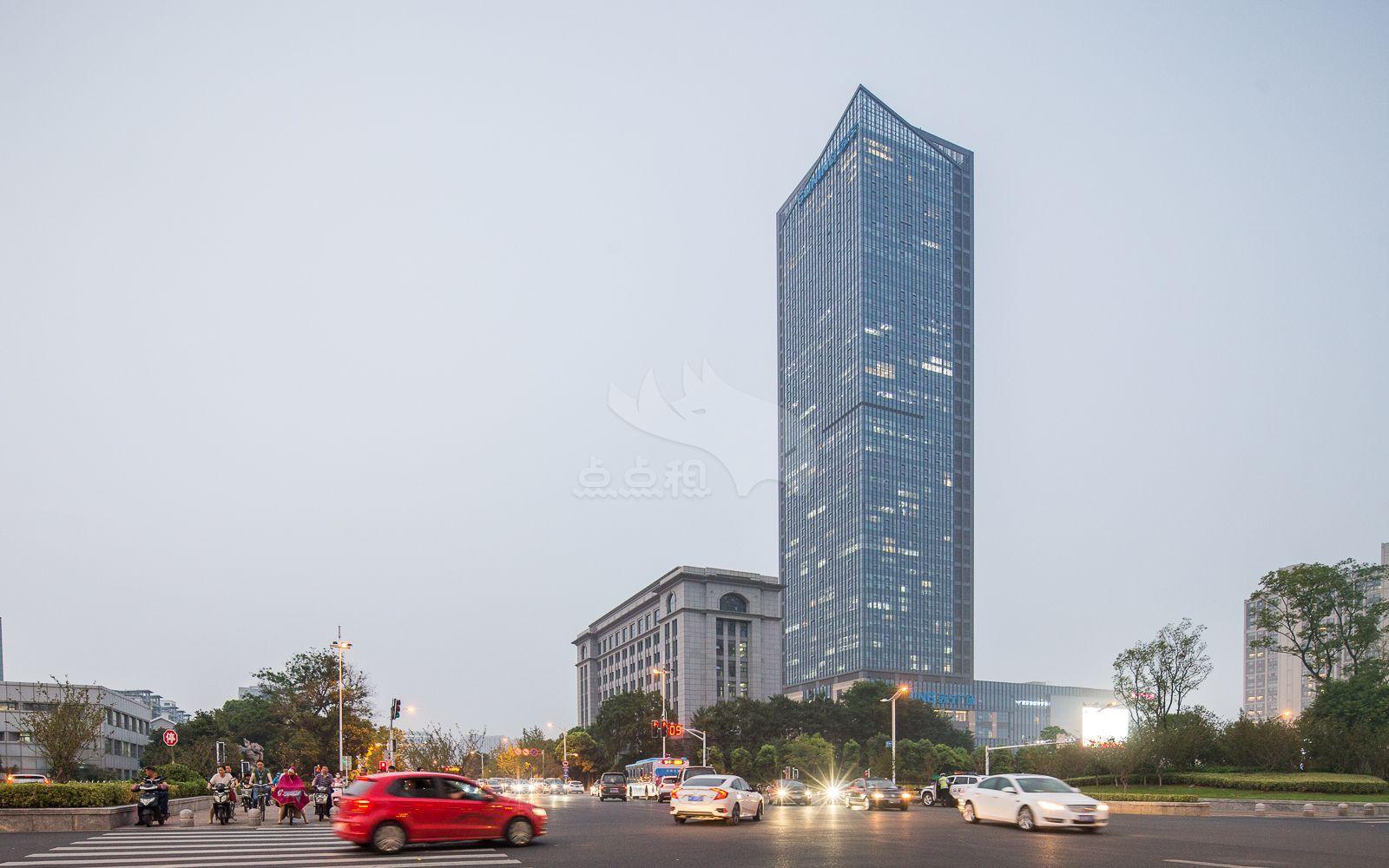 清江苏宁广场